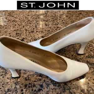 St. John White Dressy Gold Accent Heels, Sze 6.5